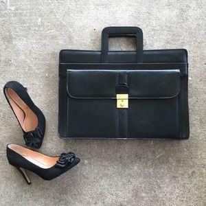 🆕 Listing!  Vintage | Leather Briefcase Dr. Bag